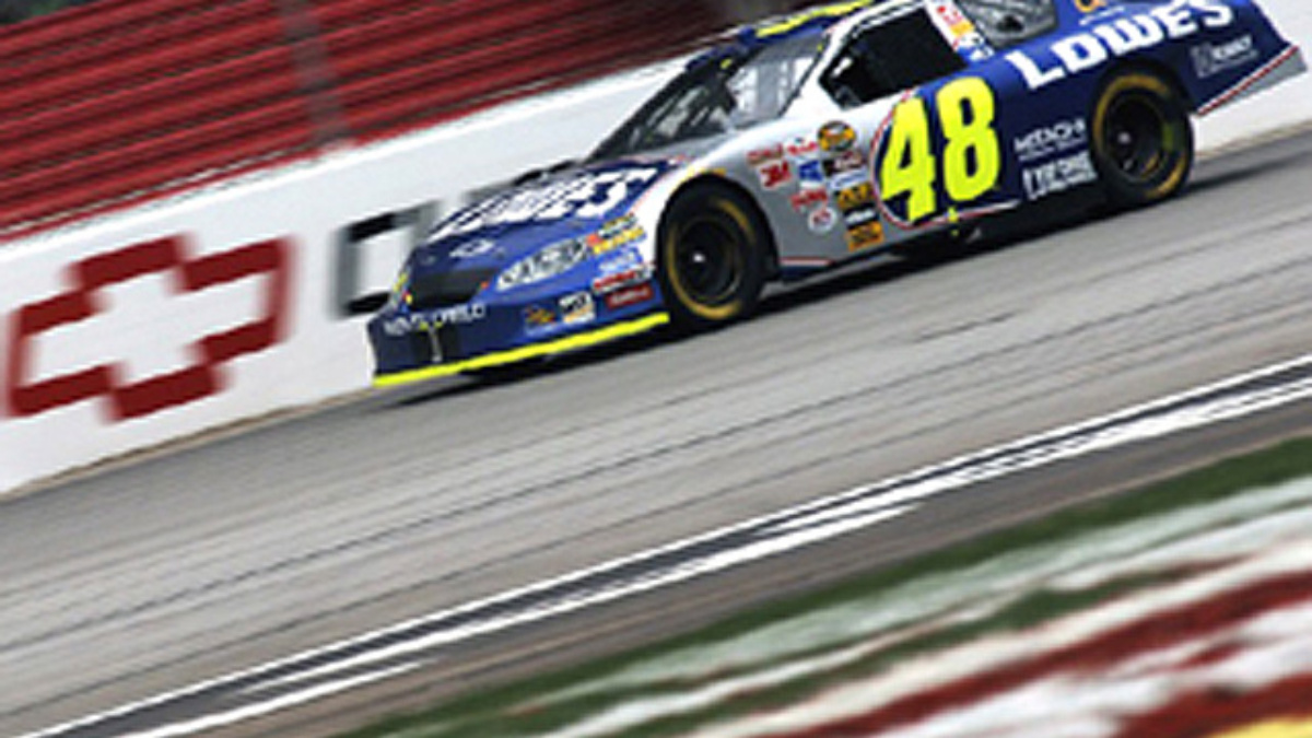 Johnson Nabs Pole Position at Chicagoland