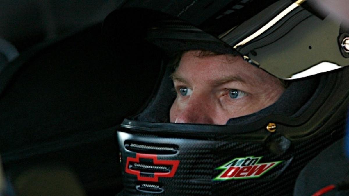 Johnson wins celebrity poll, but Namath guarantees Earnhardt will win Daytona 500