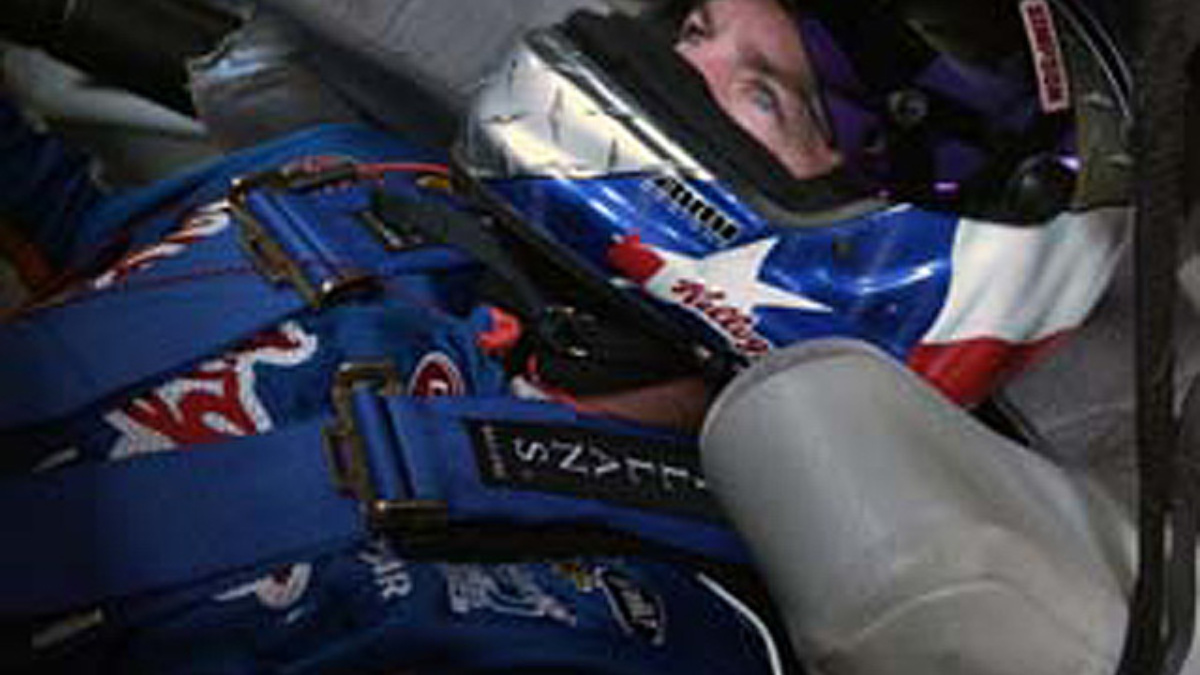 Labonte Leads Hendrick in Dover Melee