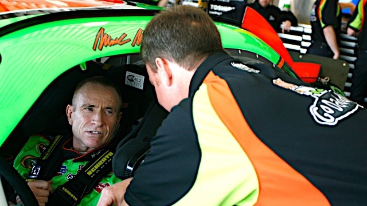 Martin to make 800th Cup start Sunday at Martinsville