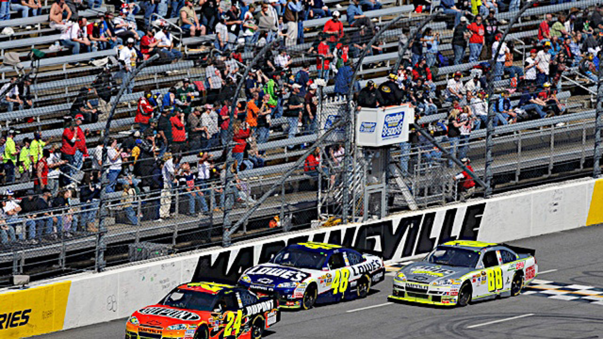 Martinsville recap: Gordon third, Johnson ninth