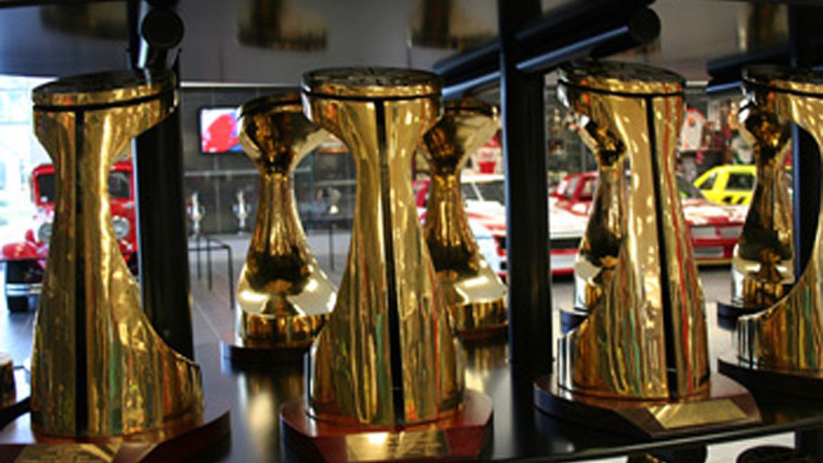 New Hendrick museum exhibits, hours for race week
