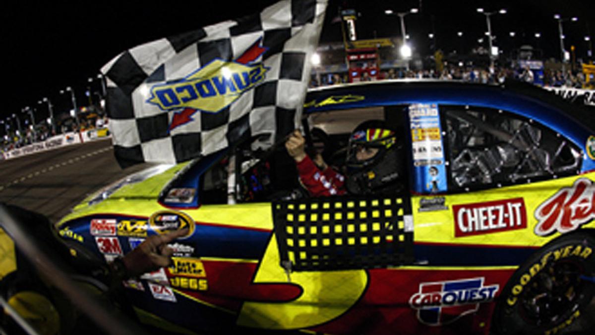 Phoenix race recap: Martin wins at desert oval