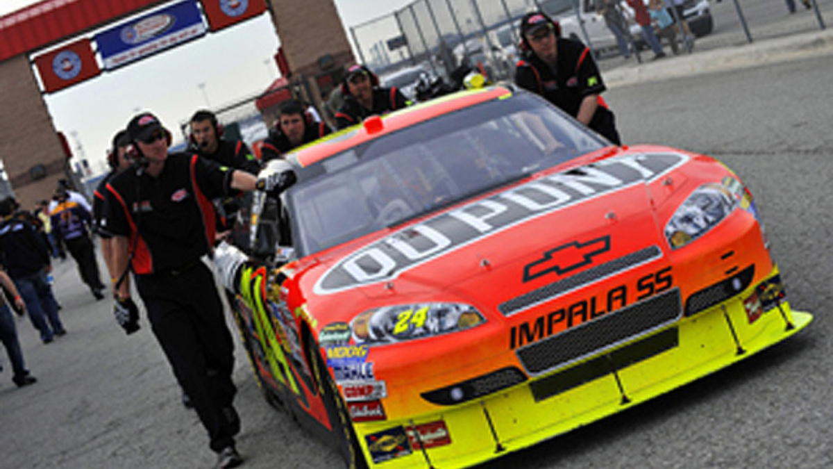 Pocono finish could fuel Team DuPont's Chase for the Cup