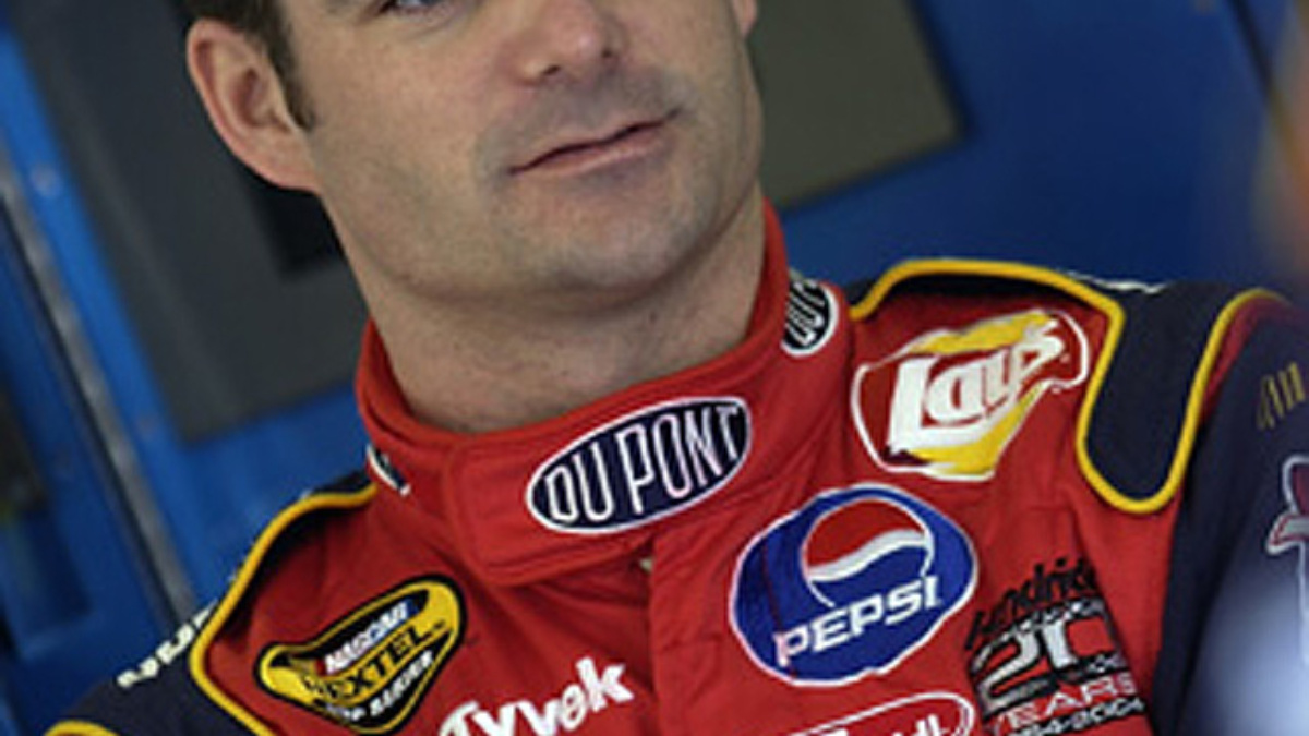 Six and Counting:  Gordon Snags Pole at Bristol