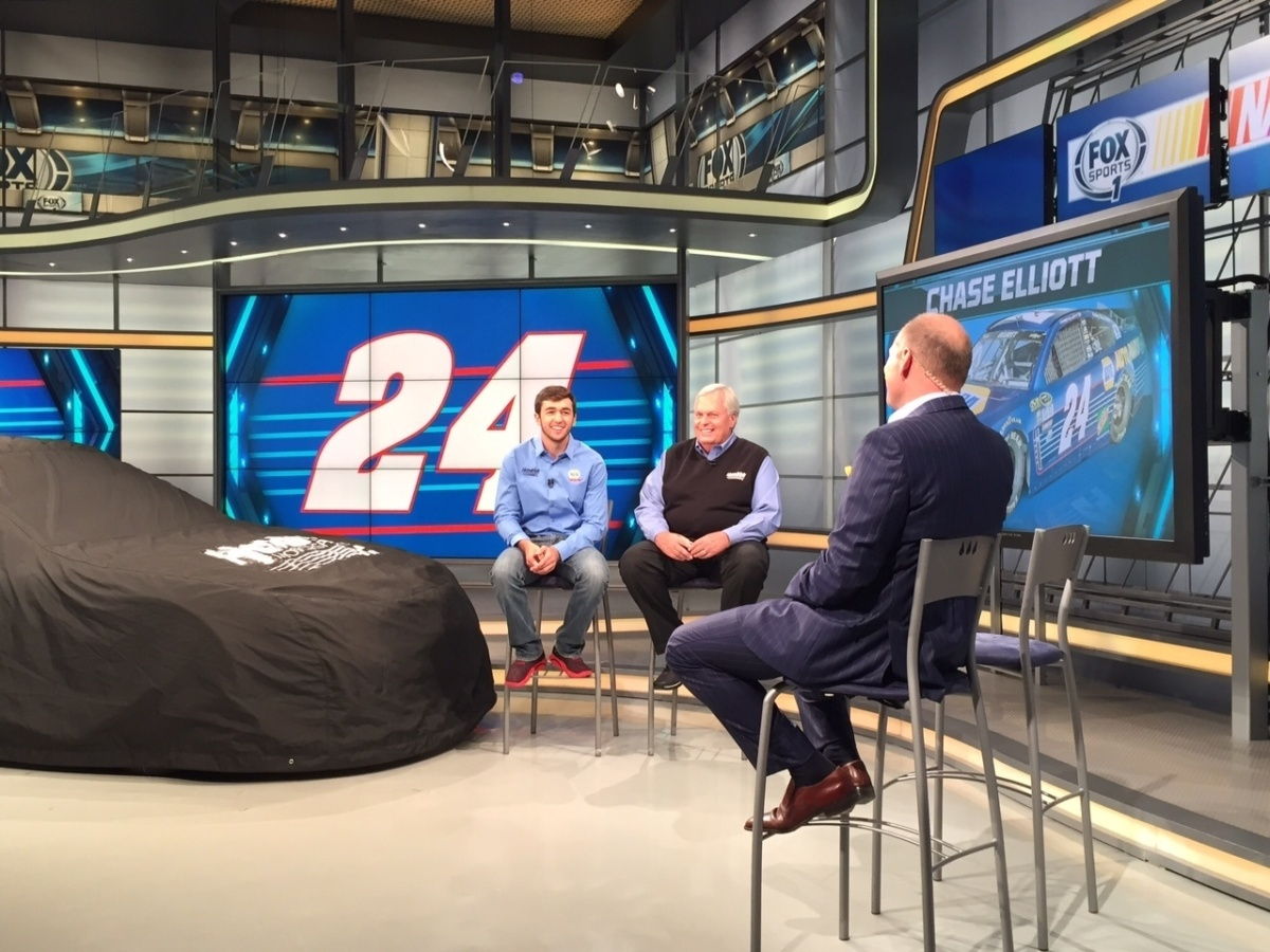Elliott Hendrick Unveil 2016 No 24 Napa Auto Parts Chevy