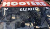 Up Close: Elliott's 2019 Hooters paint scheme