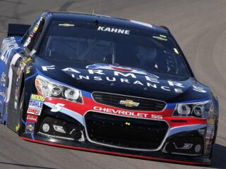 Kahne, Gordon earn season-high finishes at Phoenix
