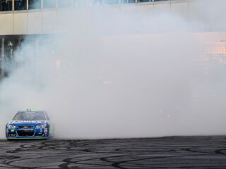 Johnson, Elliott burn it down on Las Vegas strip