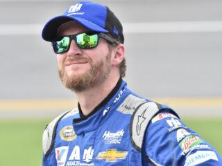 Race Recap: Earnhardt leads teammates to Daytona checkered flag