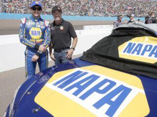 Elliott hosts NAPA teammate at Phoenix
