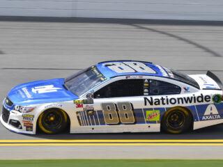 Earnhardt, Elliott sweep Daytona front row