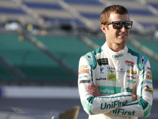 Kahne to compete in 'Family Feud' at Martinsville Fan Fest