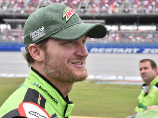 Earnhardt discusses father, family on 'Sunday TODAY with Willie Geist'