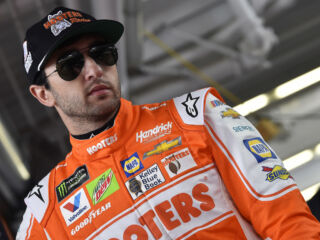Elliott takes home top-10 at Las Vegas