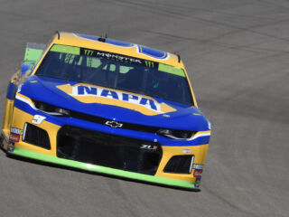 Elliott, Johnson qualify in top 10 at Las Vegas