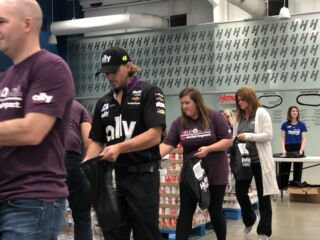 Hendrick Motorsports, Hendrick Automotive Group and Ally team up for Hunger Action Month