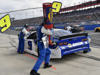 Check out our themed Hendrick Motorsports pictures and puzzles