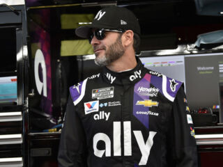 Johnson credits crew, Chevrolet for 'strong day' at Las Vegas