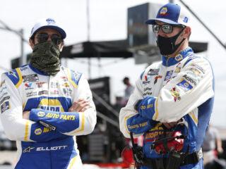 Elliott, Gustafson surprises super fan with No. 9 car hood