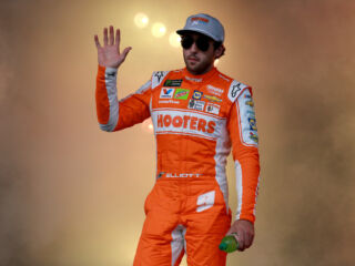 Elliott credits crew chief and pit crew after fifth-place finish