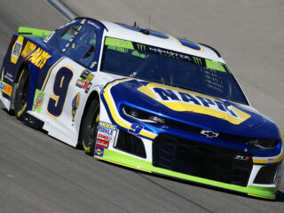 Two top-10 starting positions in Las Vegas qualifying