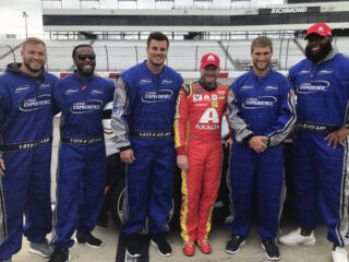 Earnhardt spends time with Washington Redskins on Victory Tour