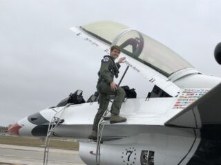 Go inside the cockpit for Byron's flight with Thunderbirds