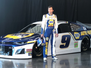 Elliott displays 2019 NAPA AUTO PARTS firesuit and Chevy