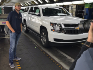 Elliott visits General Motors Arlington Assembly Plant