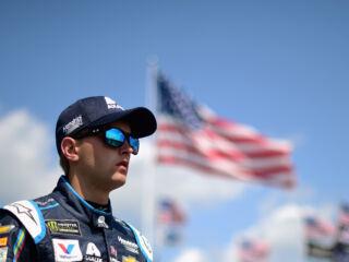 Byron leads teammates in Pocono qualifying