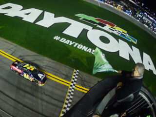 Byron cements Daytona 500 pole position in opening Duel