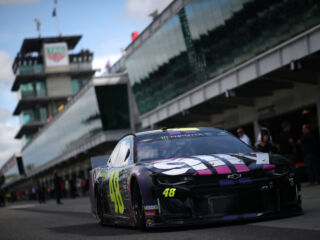 Johnson qualifies in top five for Brickyard 400