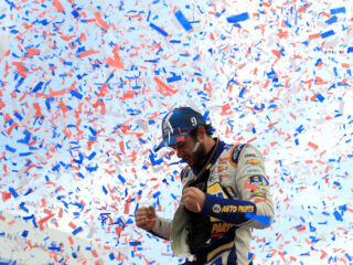 Elliott finds Victory Lane as Hendrick Motorsports earns four top-10s at 'roval'