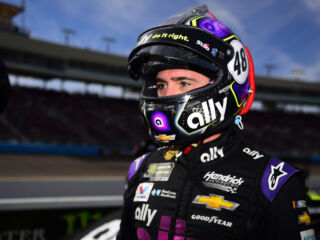 Johnson leads Hendrick Motorsports effort at ISM Raceway