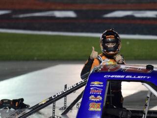 Elliott wins $100K bounty in NASCAR Truck Series race
