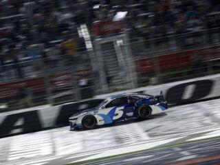 Race Rundown: Larson notches record-setting win at Charlotte