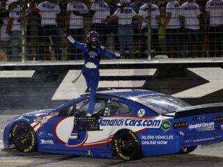 Race Rundown: Larson shines bright in All-Star Race