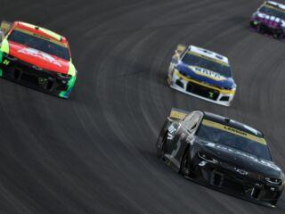 Teammates break down unpredictable Las Vegas race, keeping eyes forward