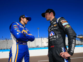 #AskTeamHendrick: Kahne, Elliott answer your questions