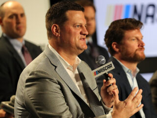 NASCAR announces new competition format starting in 2017