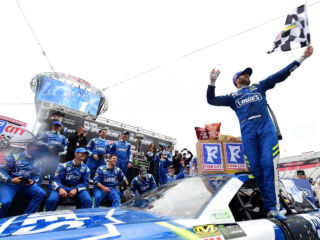 Race Recap: Johnson scores second win of the season at Bristol