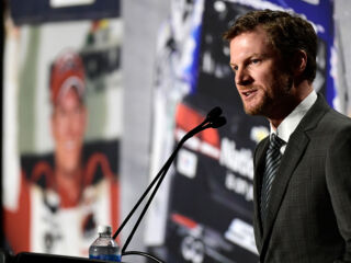 Watch Earnhardt's retirement press conference