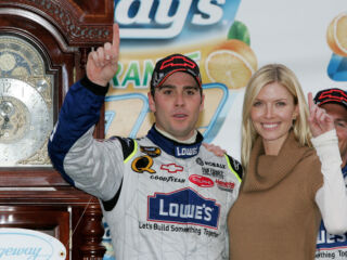 On this day in history: Johnson edges out Gordon to win 2007 Martinsville race