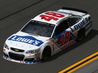 Johnson, Kahne end Stage 2 in top 10 at Daytona