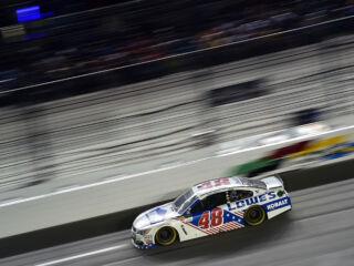 Race Recap: Johnson leads teammates to Daytona checkered flag