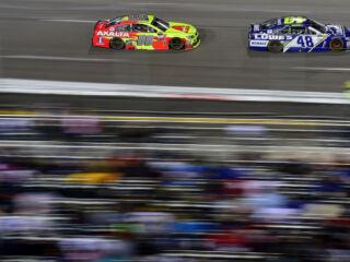 Race Recap: Johnson leads teammates in regular-season finale