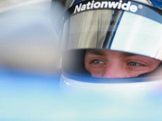 ​Bowman earns top-10 start in Bristol qualifying