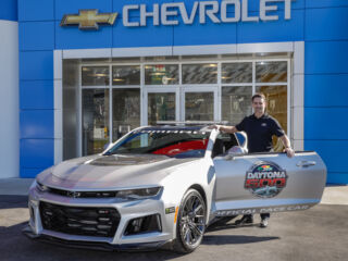 Gordon to lead Daytona 500 field to green in Chevrolet pace car