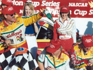 Hendrick History: Labonte captures win No. 1 of 10 at Phoenix